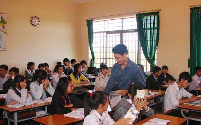 Trường THPT Lê Hữu Trác