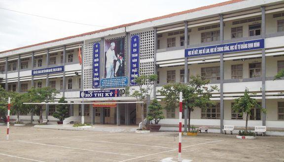 Trường THPT Hồ Thị Kỷ