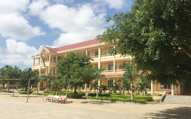 Trường THPT Hùng Vương