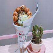 Bánh truyền thống và kem matcha 65k