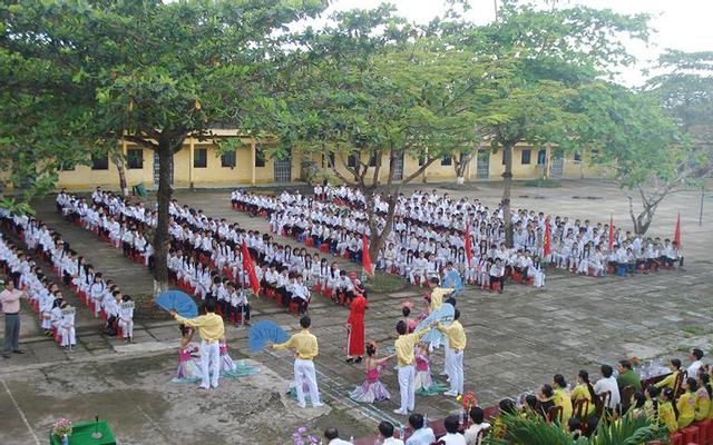 Trường THPT Thái Thanh Hòa
