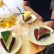 Trà thơm bánh ngon, không gian xinh xắn, các em nhân viên ngoan và thân thiện 💪🏻