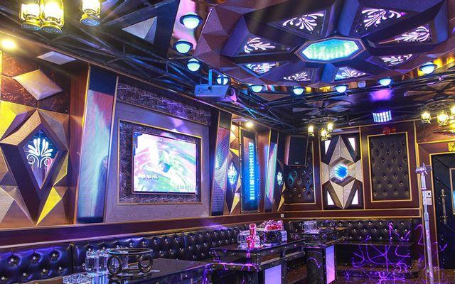 X8 Club Karaoke