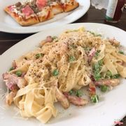 Pasta w pead and bacon