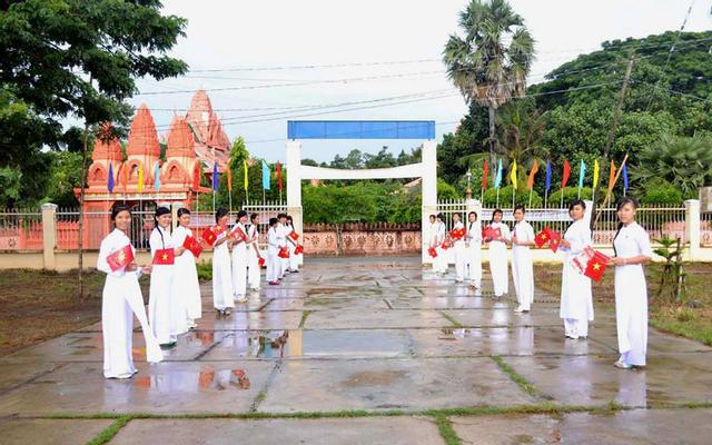 Trường THPT Vĩnh Hải