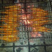Tôm sú nướng bếp than, thịt tôm ngọt thơm mà vỏ ngoài không chát