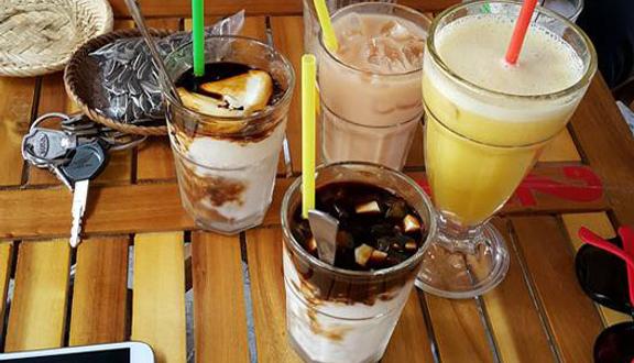 Tre Việt Cafe