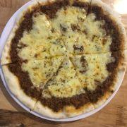 Pizza bò băm phô mai
