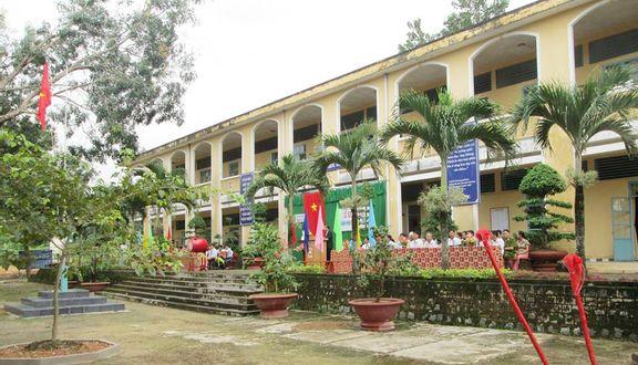 Trường THPT Cát Tiên