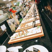Quầy sushi