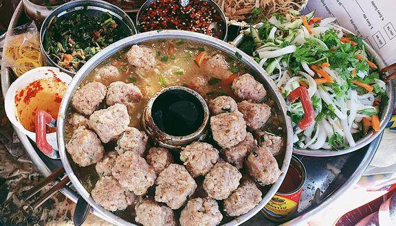 Bánh Mì Xíu Mại - Chợ Nguyễn Văn Trỗi