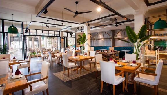 La Sirena - Bar & Grill