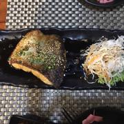 Cá hồi áp chảo sốt teriyaki