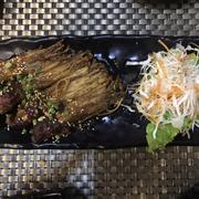 Bò cuộn nấm kim chi