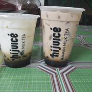 Và đây là lần ord thứ hai. Ly sữa tươi tặng kèm bị teo nhỏ lại :))) Ít ra lần này phân biệt được trà sữa với sữa tươi.