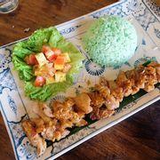 Cơm gà nướng kiểu Thái