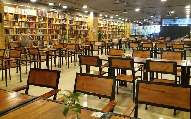 Không Gian Văn Hóa Đông Tây - Biblio Coffee & Books - Xa La