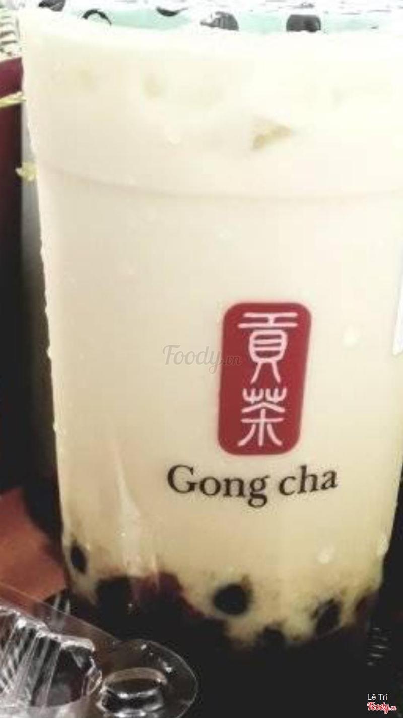 Ly trà sữa xoài của mình màu như 1 trò đùa, mấy đứa Gong Cha tính giỡn mặt mình