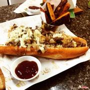 Combo Philly Cheesesteak và đồ ăn kèm. Best in Asia