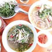 Thực đơn món bánh canh cá lóc tại quán bánh canh bathao gôm đầu cá lóc, ruột cá lóc và tô bánh canh đầu cá lóc thơm ngon