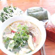 Banh canh cá lóc BaThao. Bánh canh ngon, nước ngọt được làm từ bột gạo và bột mì của người huế
