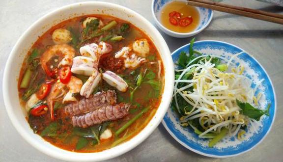 KungFu Tomyum - Bún Thái & Bún Cari Gà