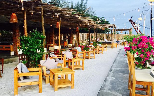 New Port Bar & Restaurant