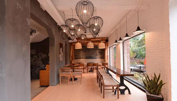 The Coffee House - Trung Hòa