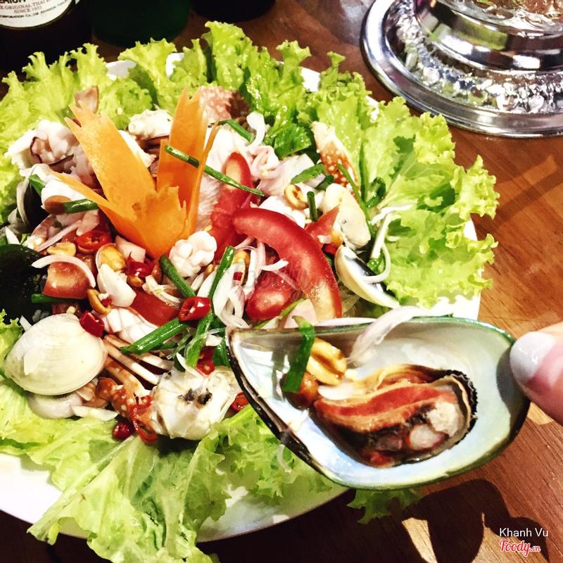 Gỏi hải sản miến Thái