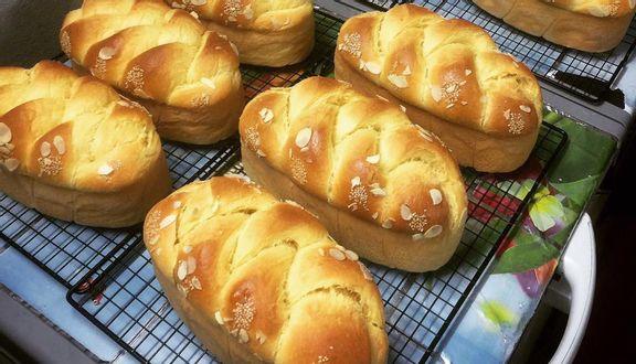 Cậu Bé Bán Bánh - Ăn Vặt Online