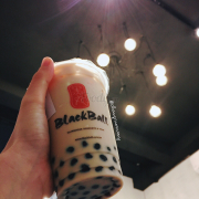 https://rockyourweird.blogspot.com/2017/11/review-blackball-che-tra-sua-dai-loan.html