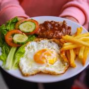 🍝 Mỳ Ý 🆚 Nui 🍲 2⃣5⃣💲 🍴Bò sốt cà chua🍝 🍴Xúc xích sốt cà chua🍝 🍴Nấm bò sốt kem🍝 🍴Thịt ham sốt kem🍝 🍴Xào thịt bò🍝 🍱Bò bít tết🍱 🍲Súp nui xương🍲 🍚Xôi mặn SG🍚 🏩Quán 294 Nguyễn Hoàng 🔔Open 6h-10h⏰16h-22h®.