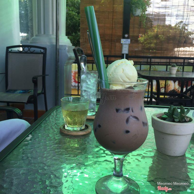 Trà sữa cacao thạch cà phê + kem sầu riêng 33k
