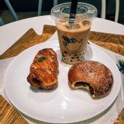 bánh và trà sữa