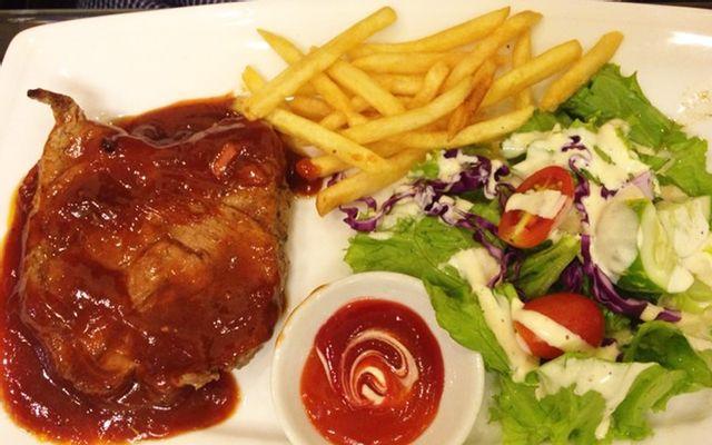 Luna Steak & Pasta