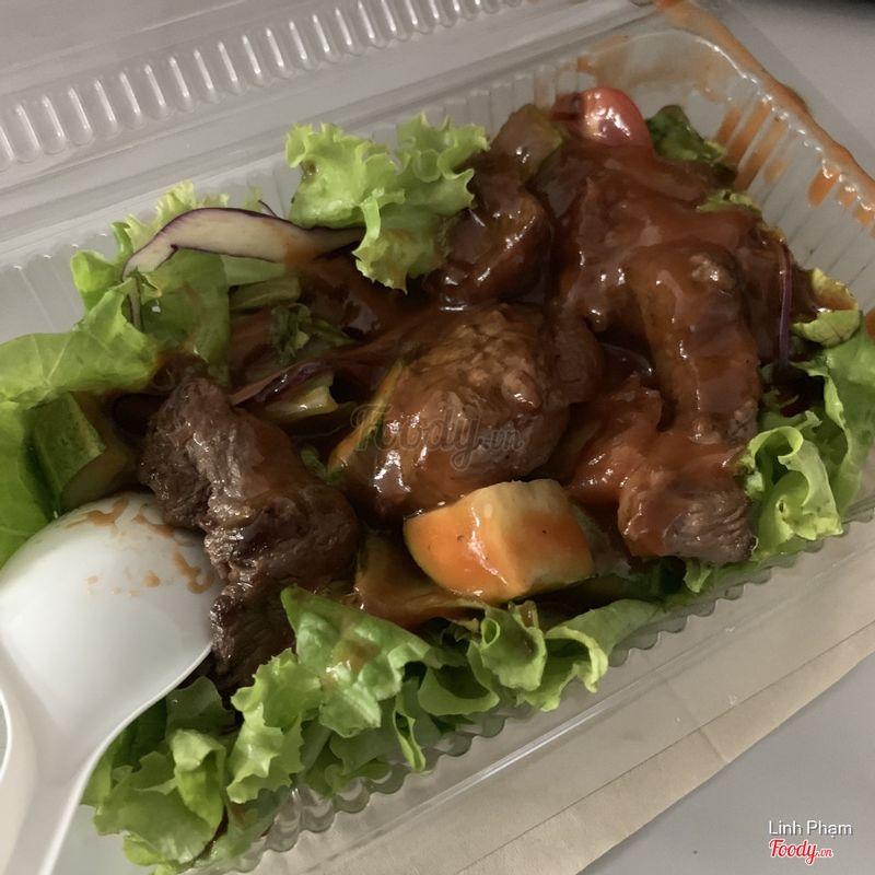 Salad bò sốt BBQ