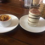 Tiramisu: không biết do bánh để quá lâu hay do người làm, bánh quá chua, không thể nuốt nổi.
