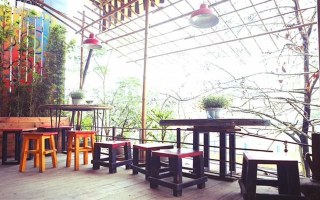 Area 21 Cafe - Trần Phú
