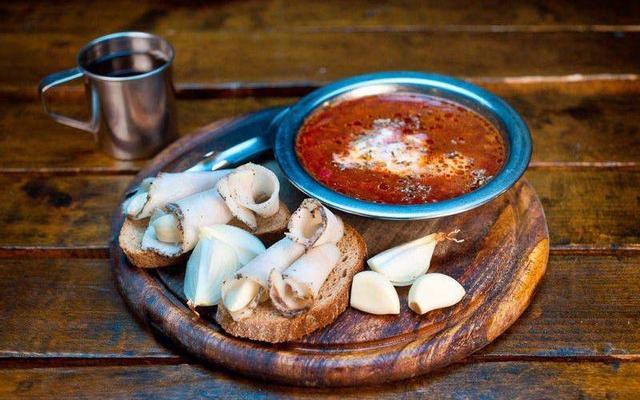 Salut Restaurant - Ẩm Thực Nga