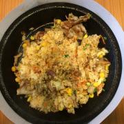 Thịt heo kim chi - giá ok mà ngon, vị rất vừa vặn. Nhưng bùn là thịt heo hok được mềm.