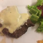 Beefsteak bò sốt phô mai