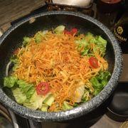Salad khoai tây giòn
