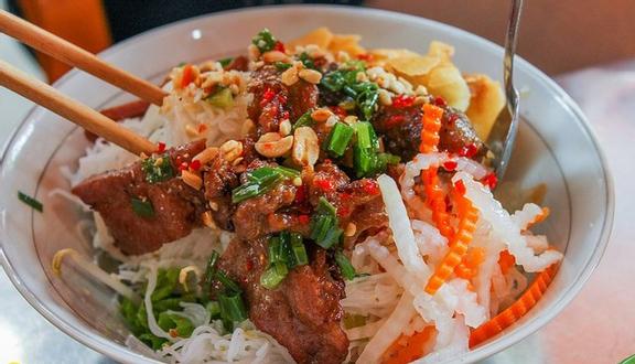Láng Me - Mì Quảng & Bún Thịt Nướng