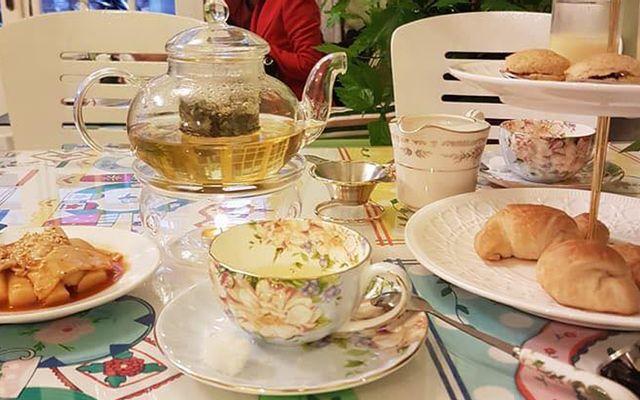 Rolls Tea Room