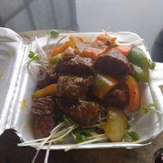 cơm bò xào lúc lắc rau trộn 25k