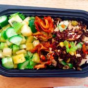 Cơm rang gạo lứt và salad