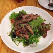 Salad bò đặc biệt sốt rất ngon nhưng bò siêu dai