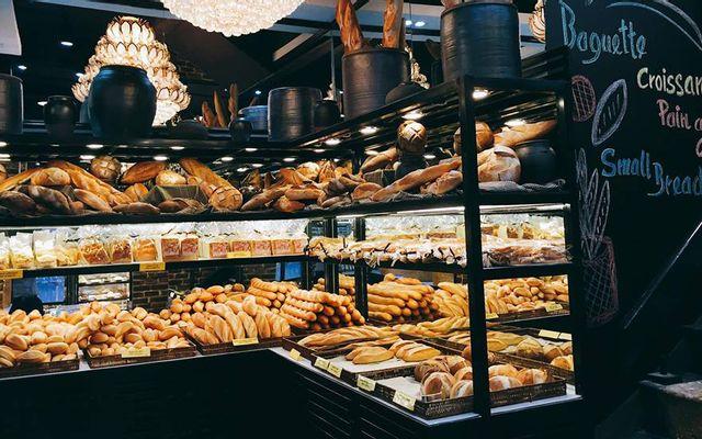 Nguyễn Sơn Bakery - Trần Hưng Đạo