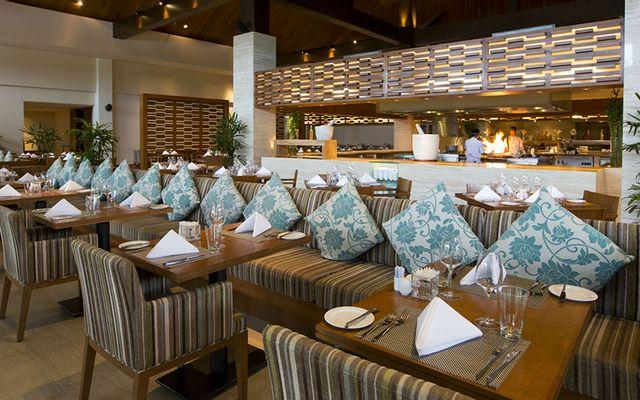 Infinity Bar - Pullman Danang Beach Resort