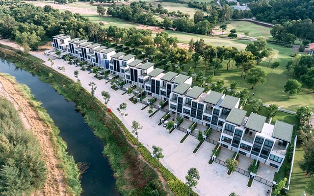 Laguna Park Homes